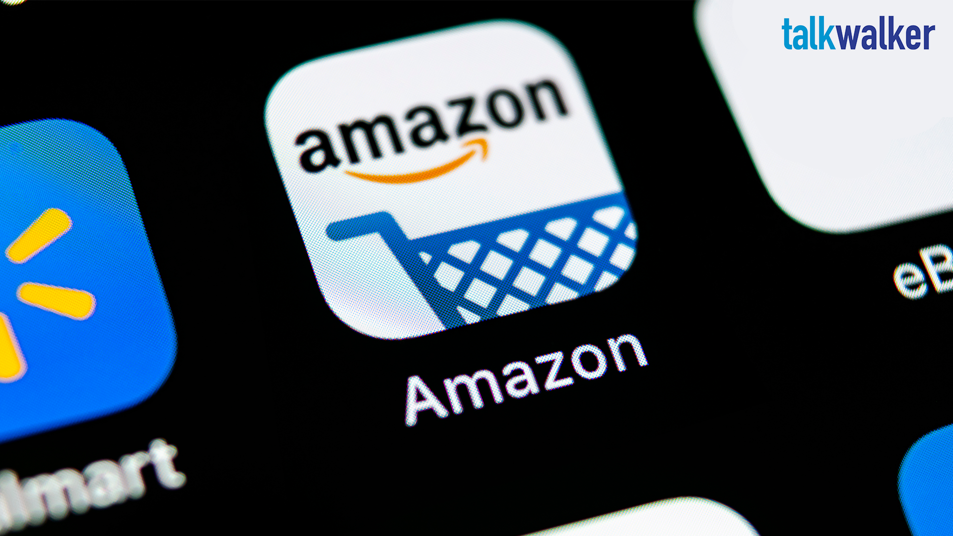 La strategia di marketing di Amazon: 5 modi per vincere sui social
